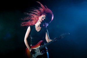 female guitar player live jw 2