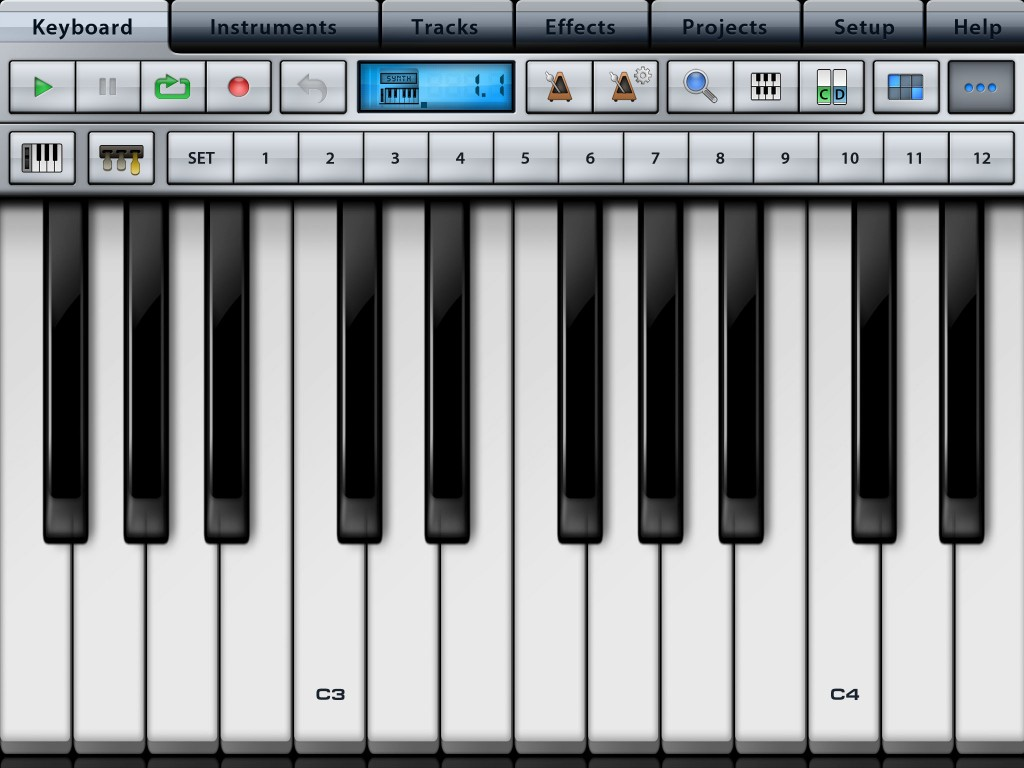 Muisc Studio features a decent virtual keyboard but also supports MIDI input.
