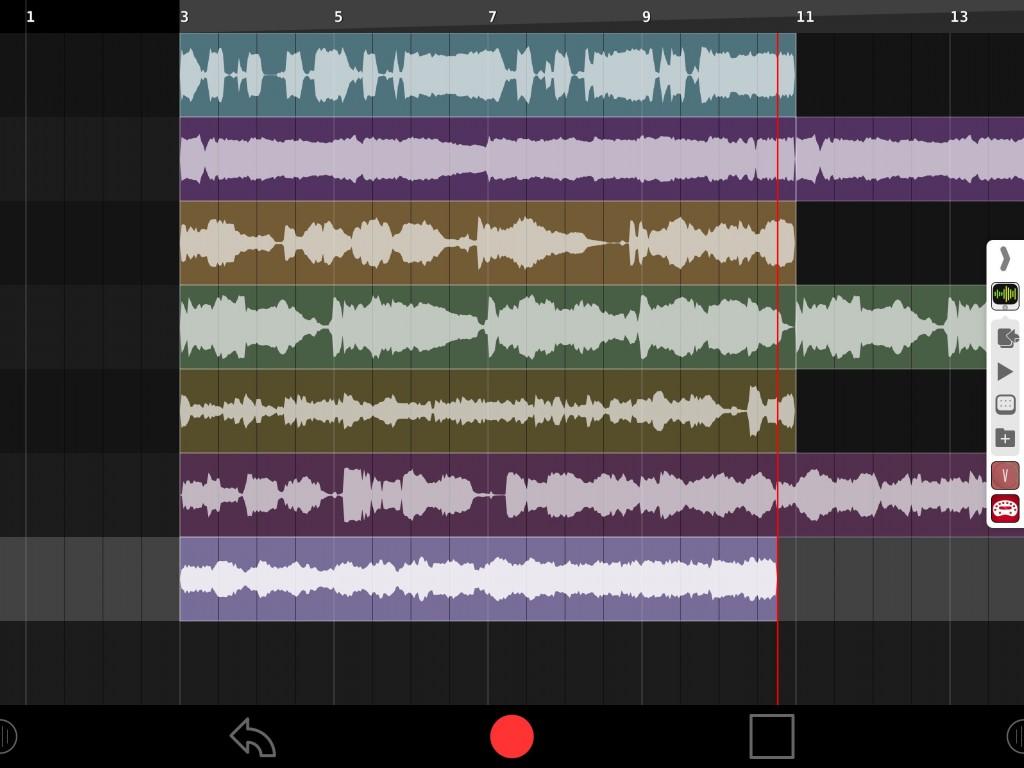 LooperSonic worked very smoothly via Audiobus.