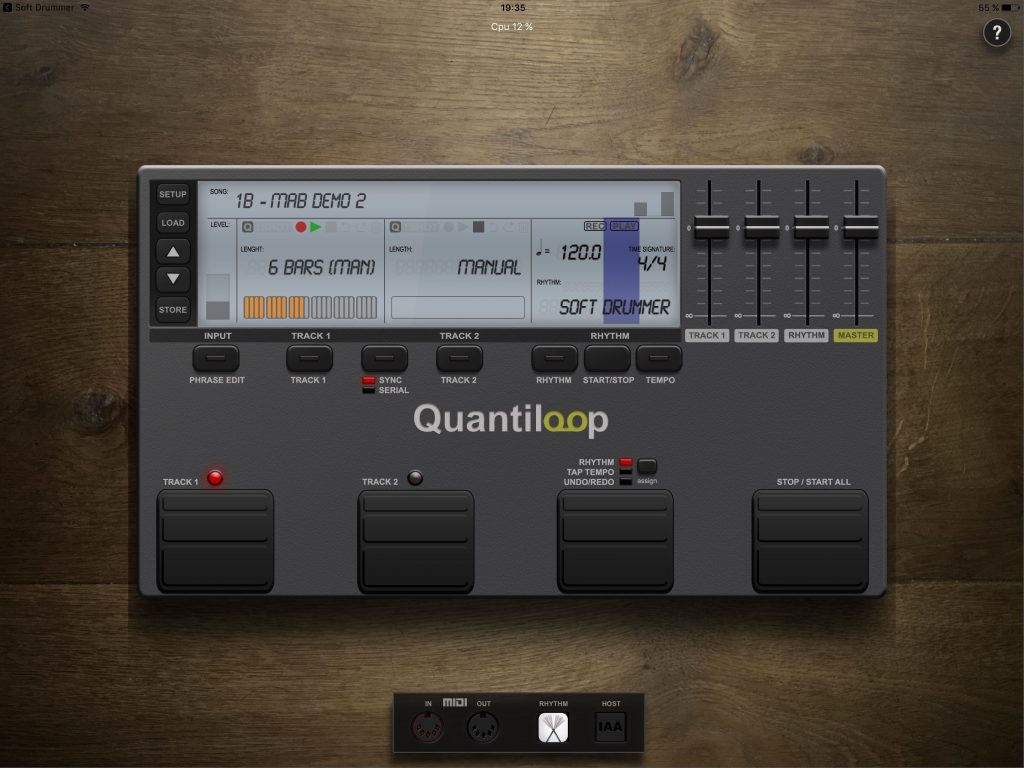 Quantiloop - a looper for iOS with the look of a hardware unit.
